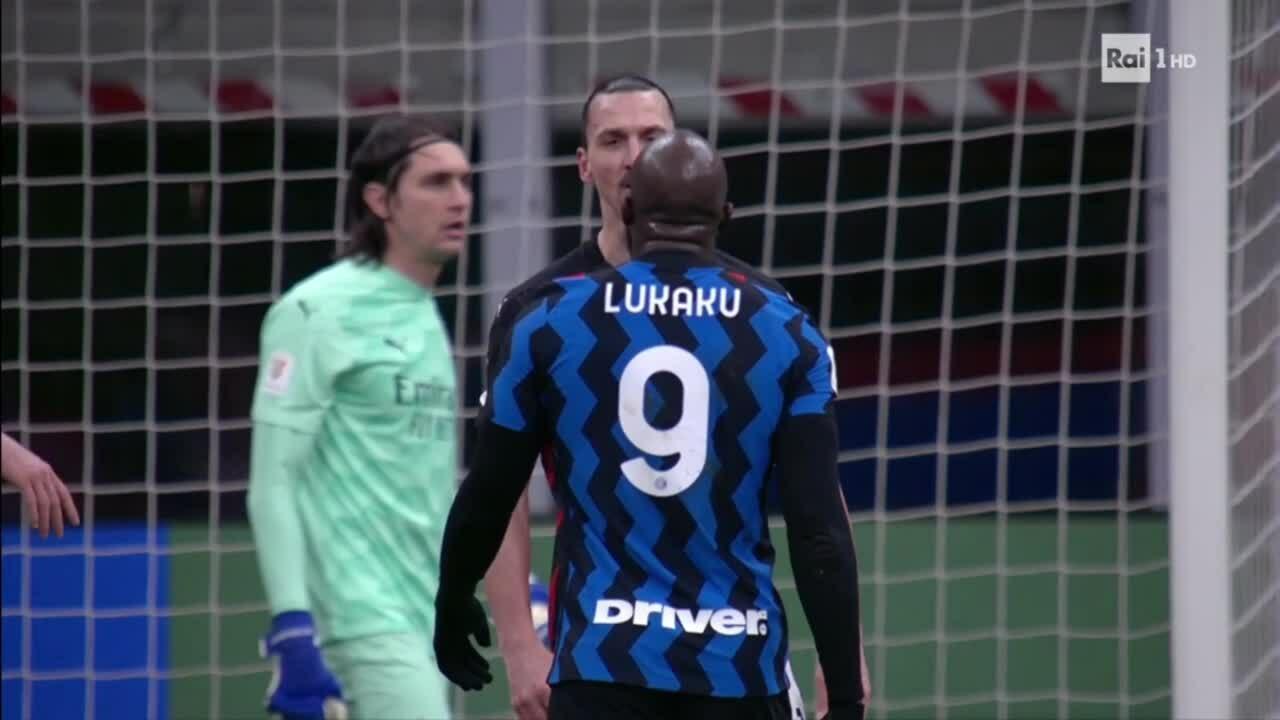 Ibrahimovic ẩu đả Lukaku