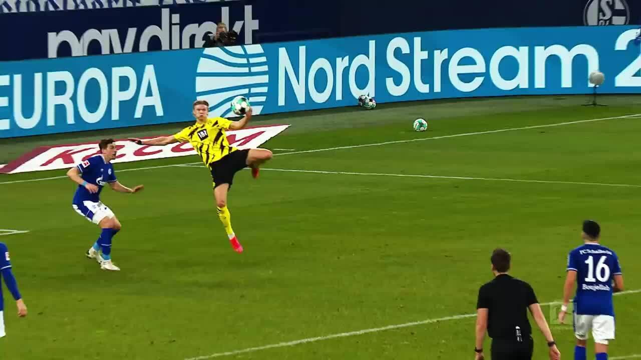 Top 5 bàn thắng vòng 22 Bundes liga