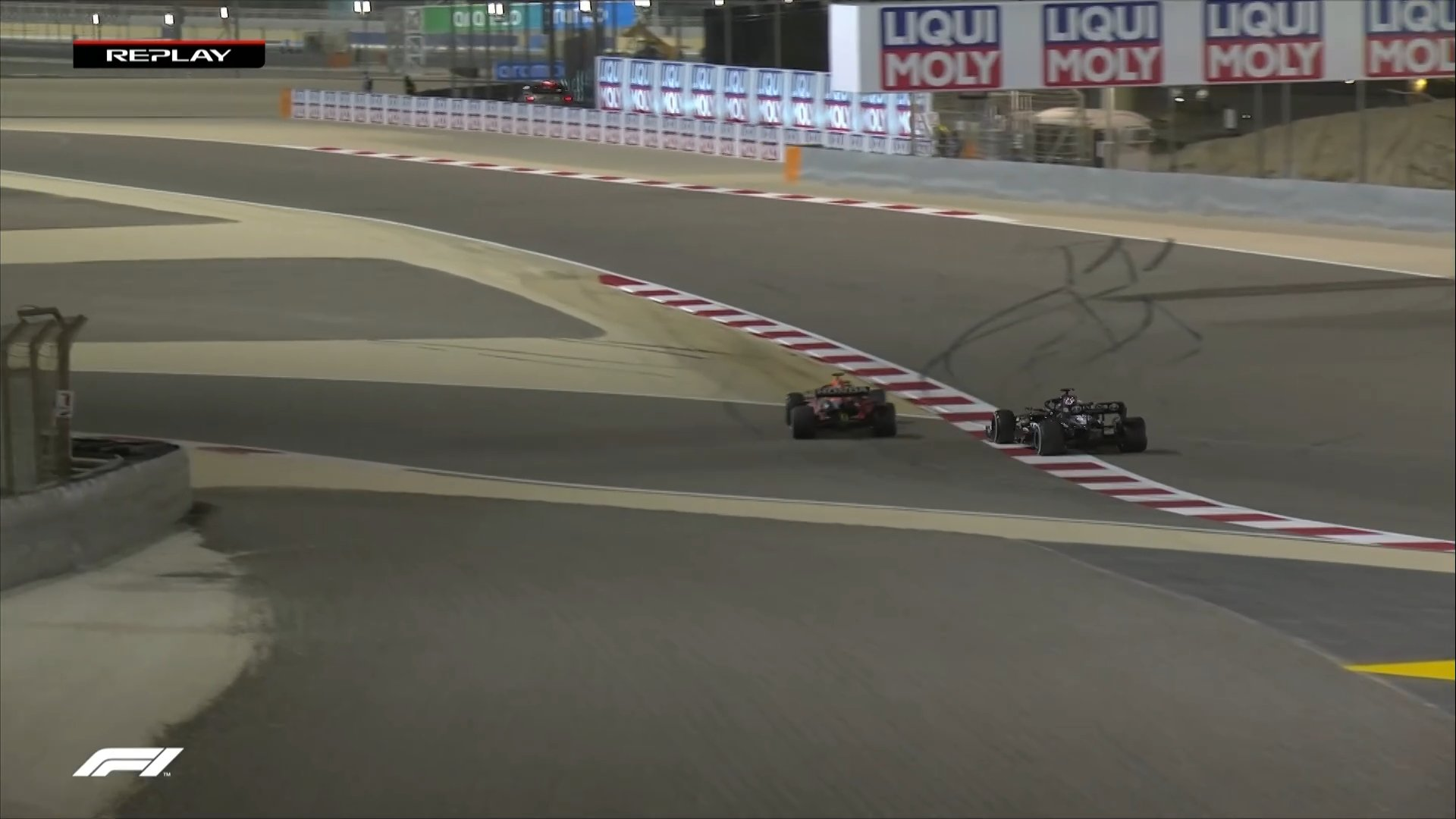 Twice Verstappen crossed the curb of the Shakhir racetrack