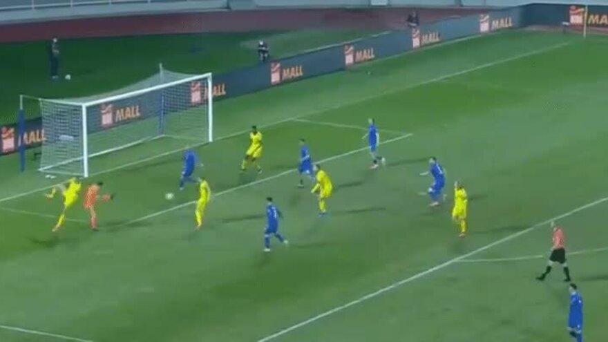 Ibrahimovic memberikan assist pada tumit