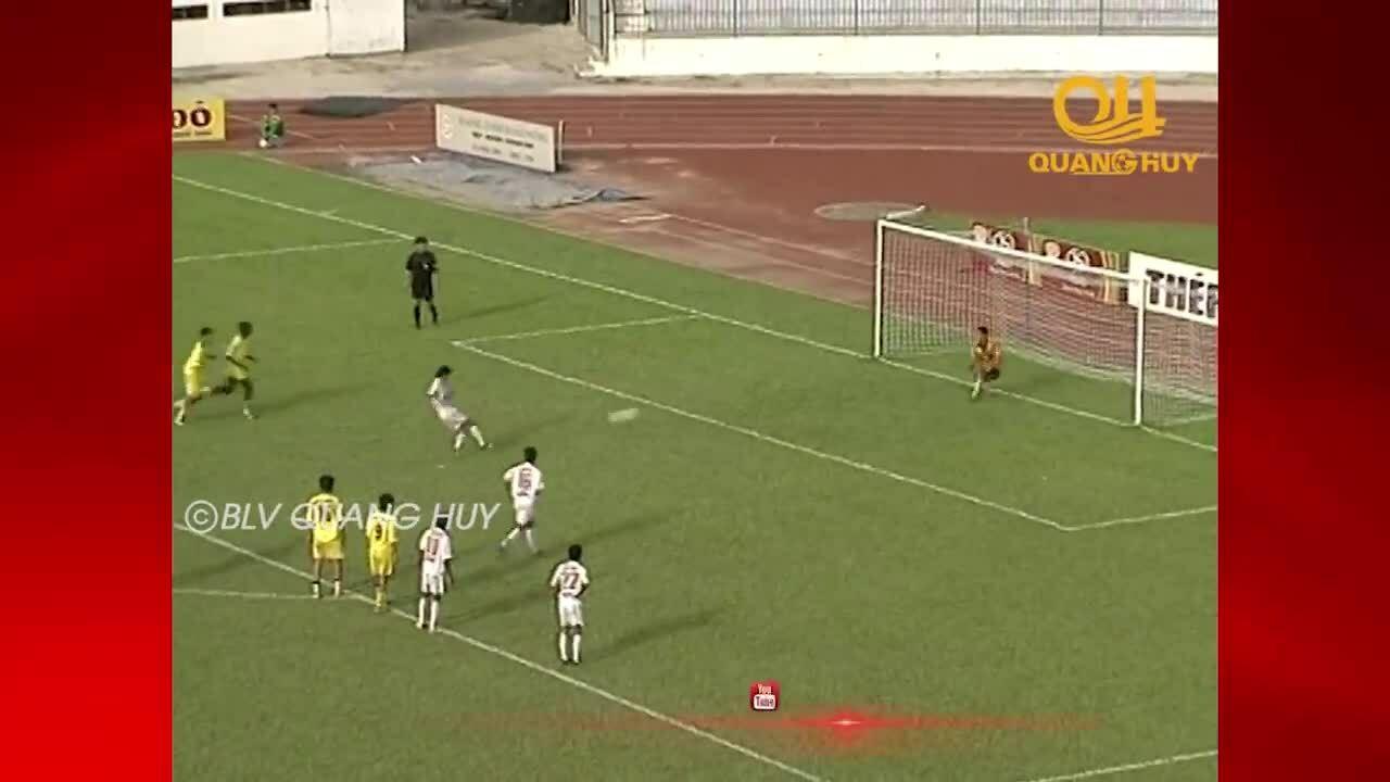 Kiatisuk gagal dalam tendangan penalti sebelum Hai Phong pada tahun 2004