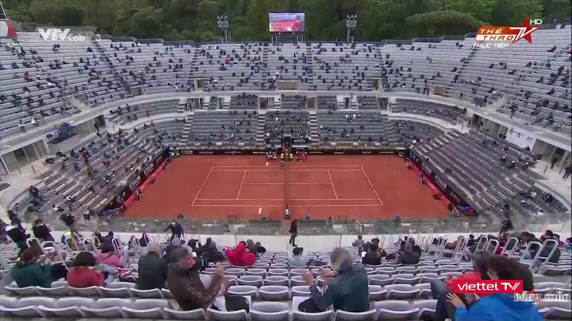 Djokovic 2-1 Tsitsipas