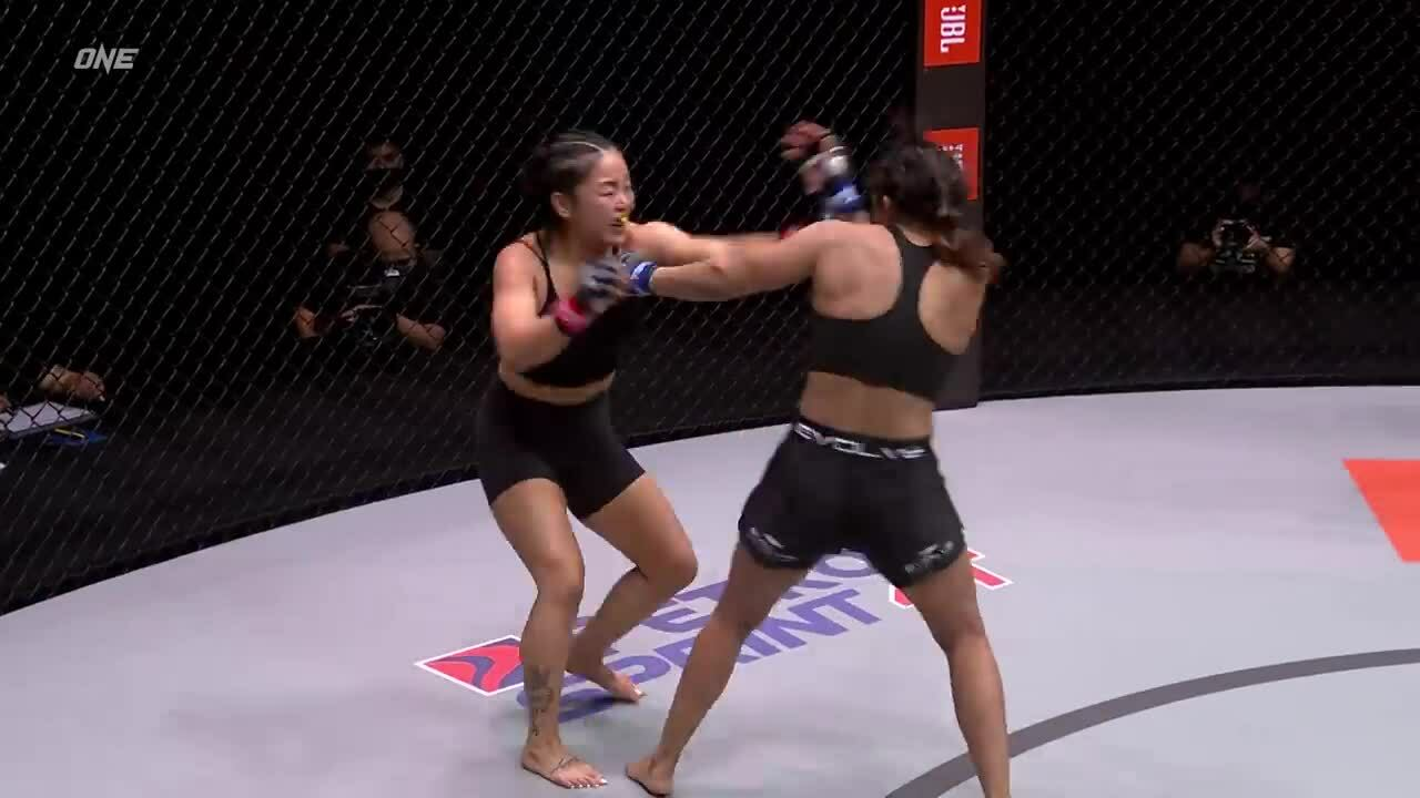 Bi Nguyen beat Ritu Phogat by referee points