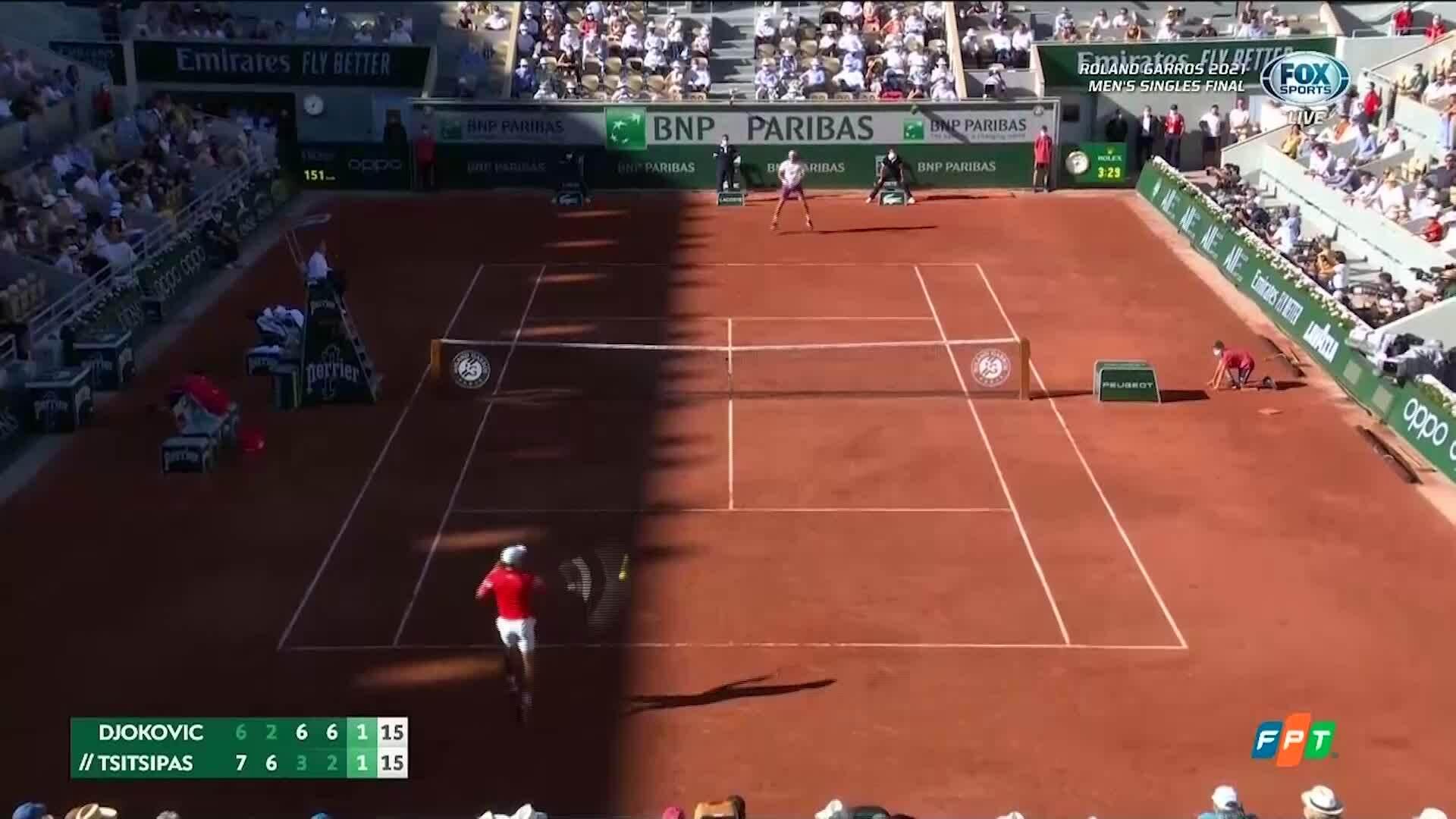 Djokovic thắng liền hai game