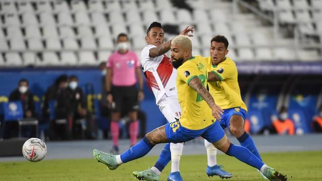 Brasil 4-0 Peru