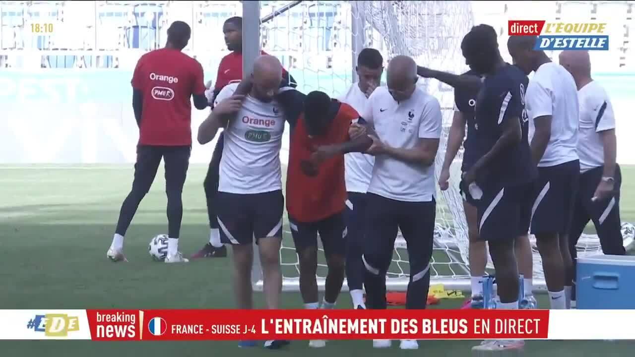 Lemar bị đau, được dìu khỏi sân