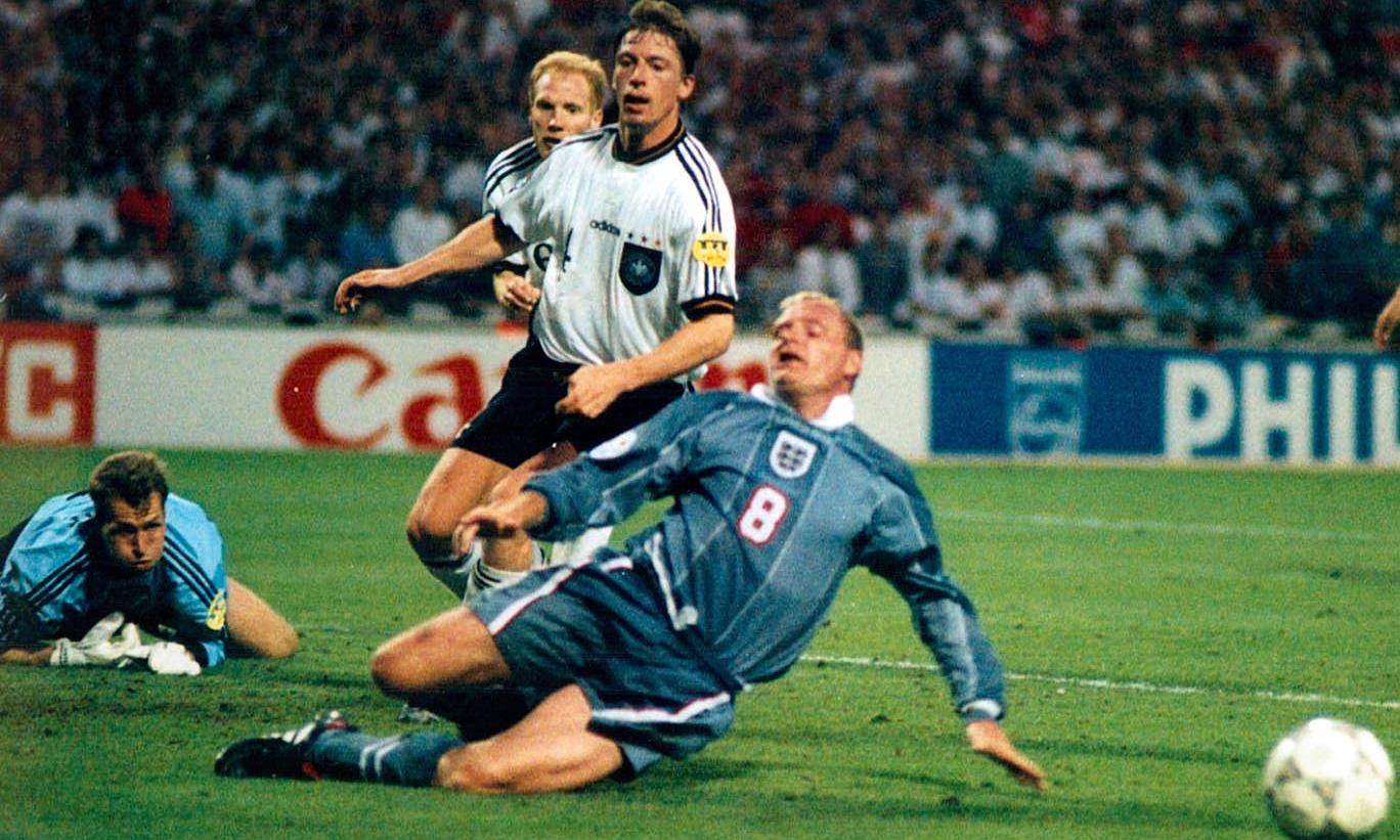 Paul Gascoigne hỏng ăn trước tuyển Đức ở Euro 1996