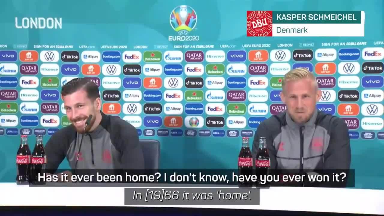 Schmeichel troll slogan của tuyển Anh
