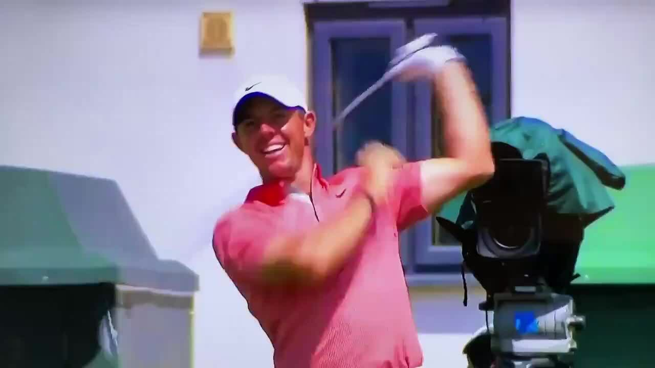 McIlroy throws a baton in the third round of The Open