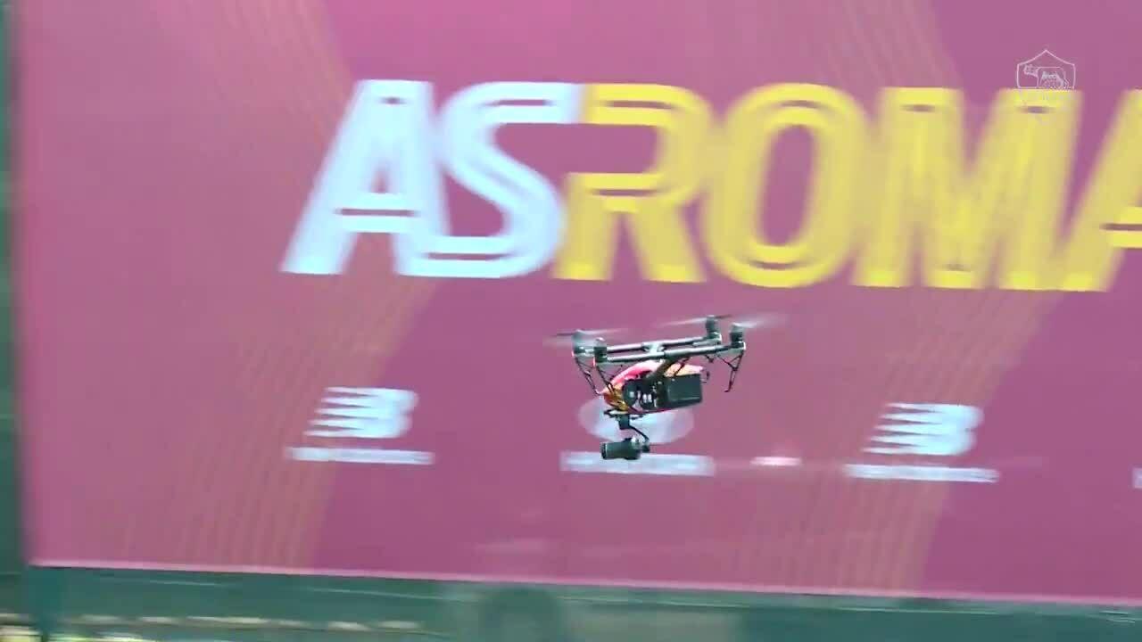 Roma triển khai hệ thống drone trên sân tập phục vụ Mourinho