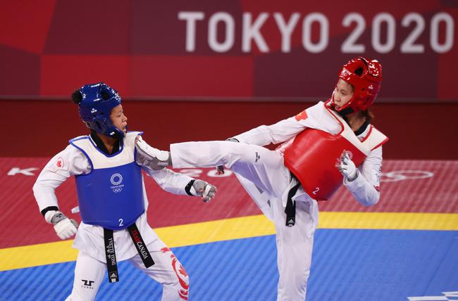 Petinju Thailand mengalahkan Kim Tuyen di perempat final