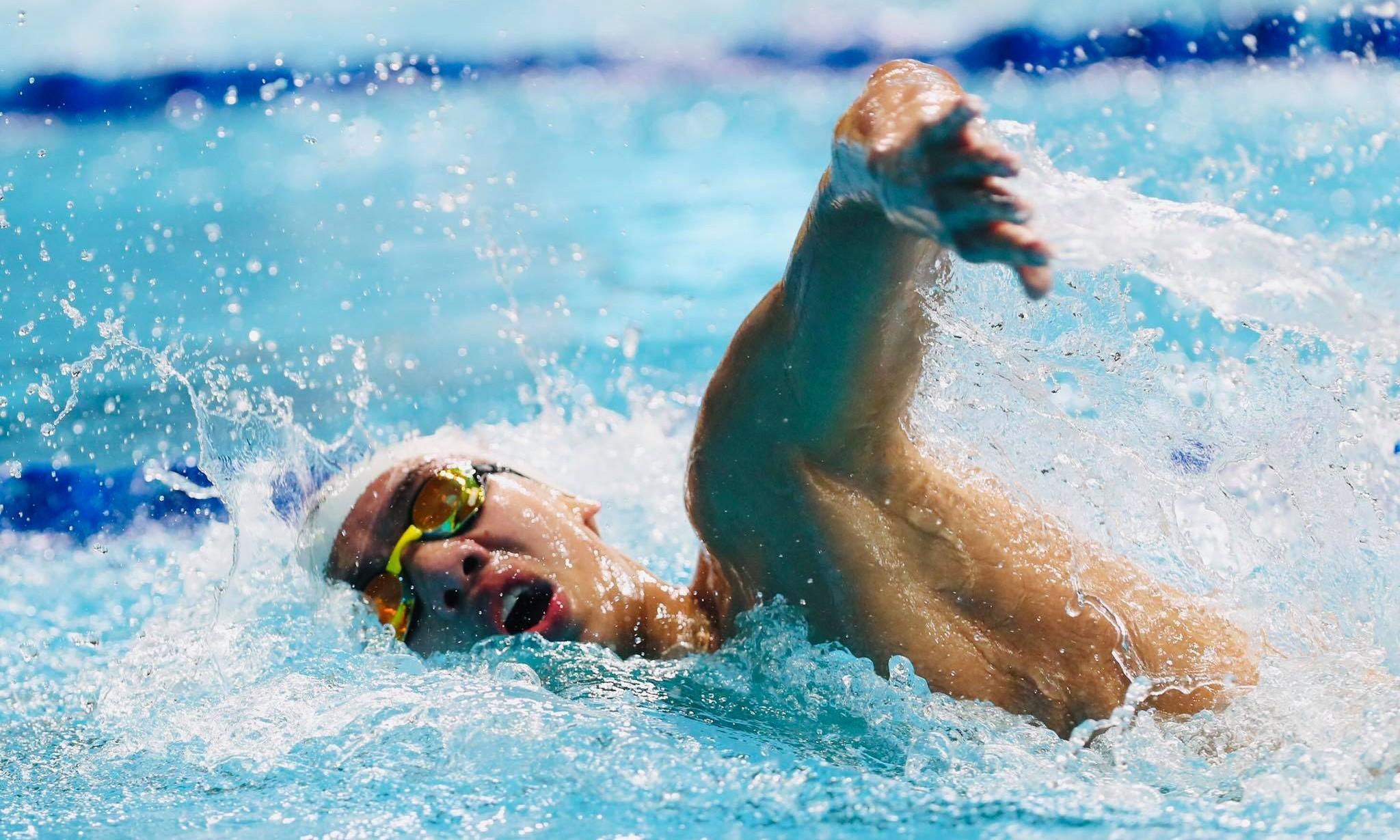 Huy Hoàng về thứ năm vòng loại 1500m