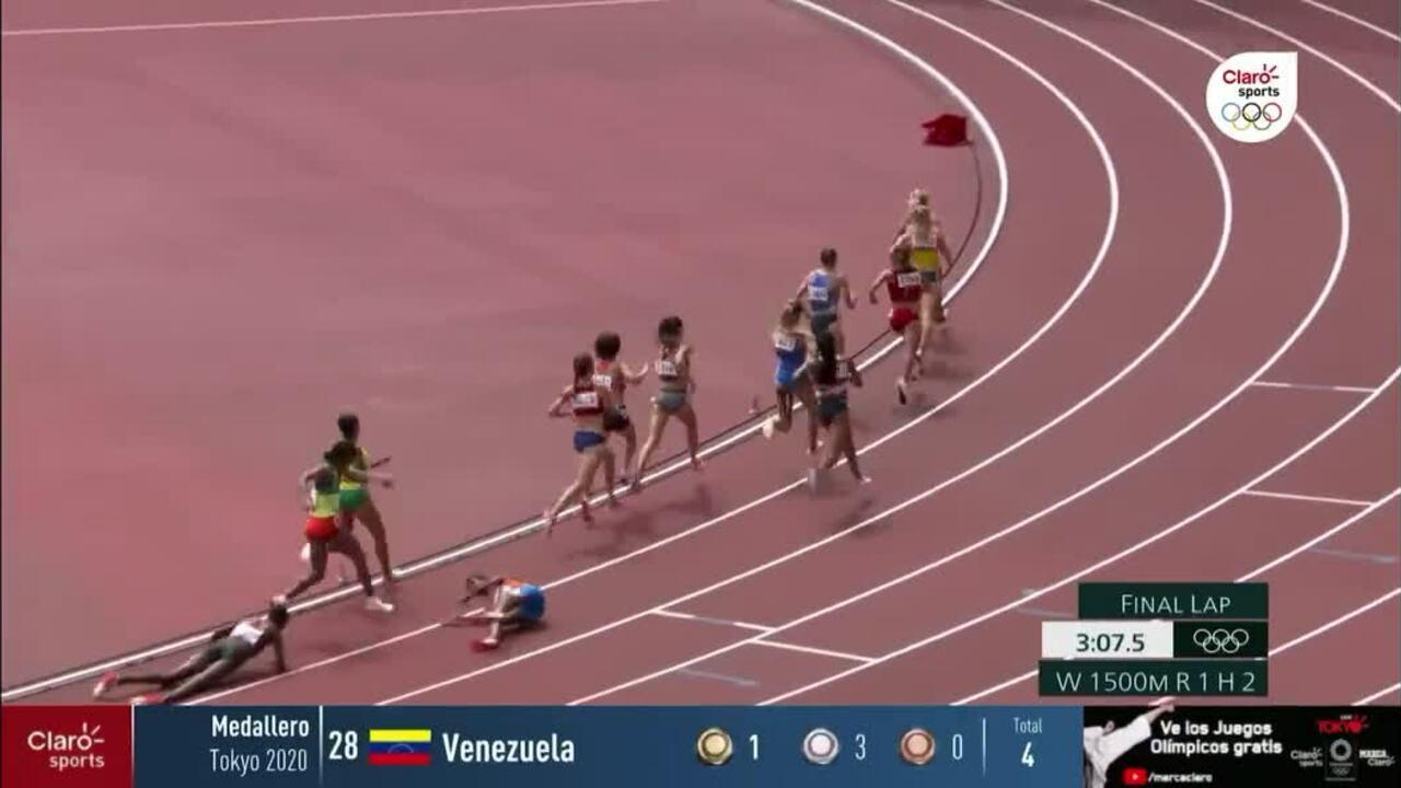 VĐV vấp ngã vẫn về nhất đường chạy 1500m