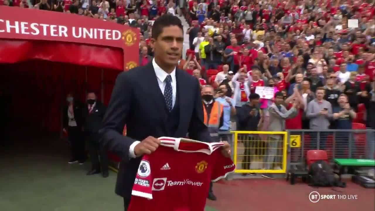 Man Utd ra mắt Varane tại Old Trafford