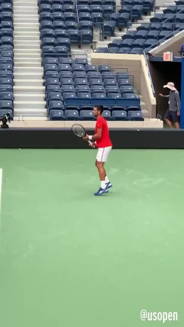 Djokovic ra quân Mỹ Mở rộng hôm nay