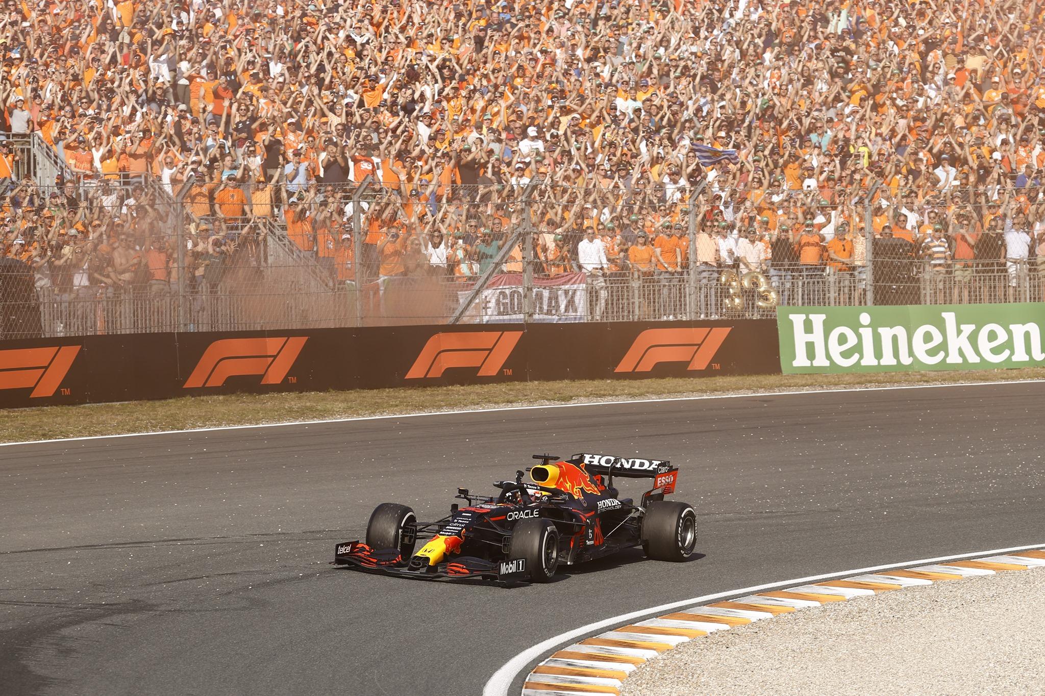 Verstappen thắng chặn Grand Prix Hà Lan 2021