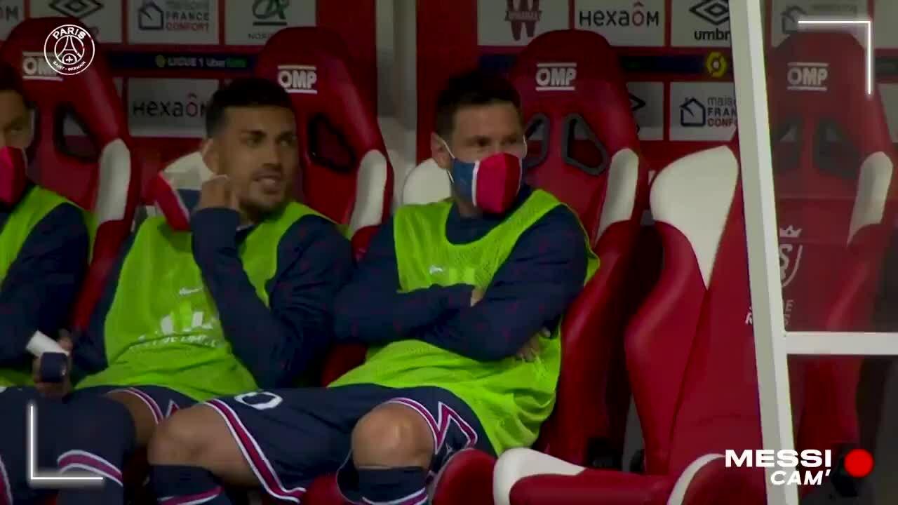 Hình ảnh Messi trong buổi đầu tiên ra mắt PSG