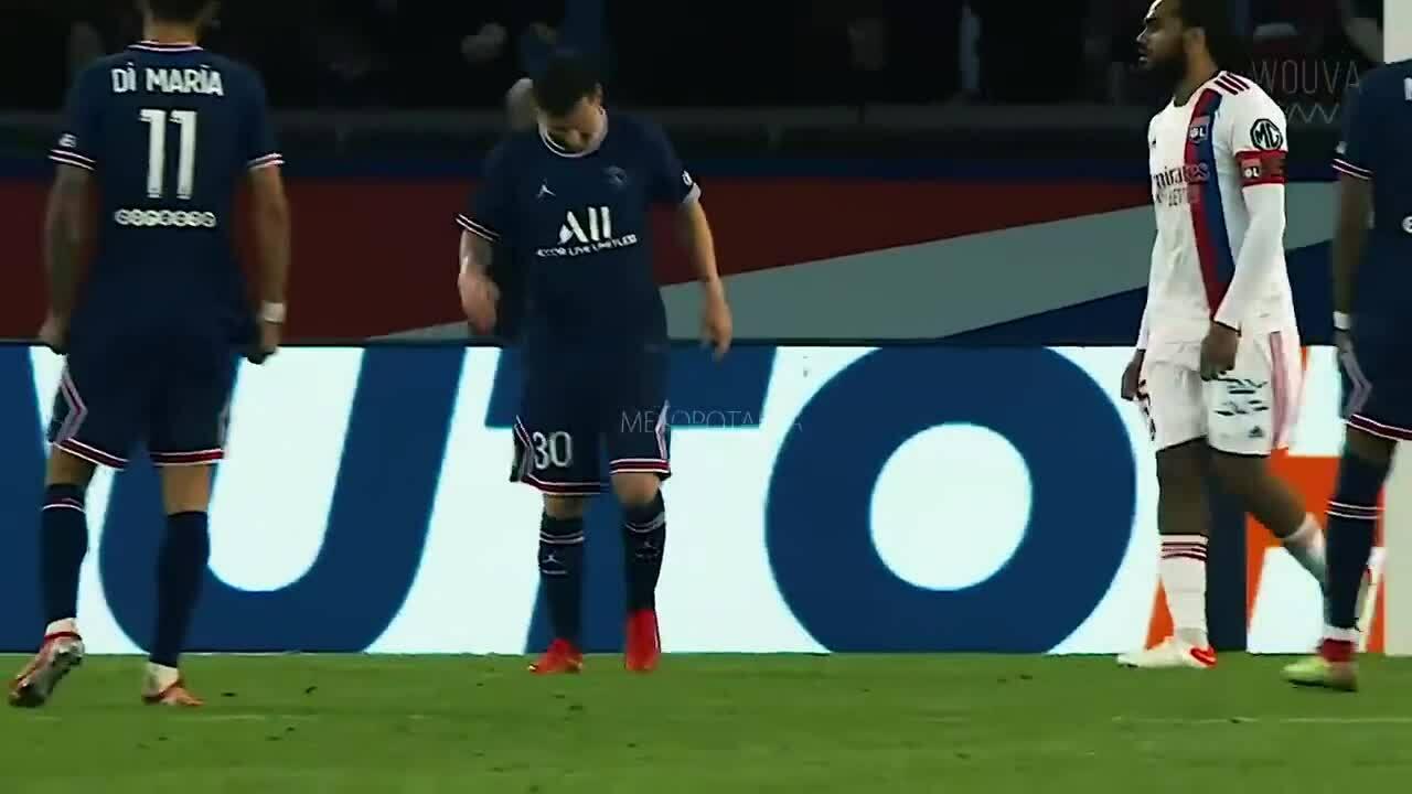 Khoảnh khắc Messi chấn thương trong trận PSG - Lyon