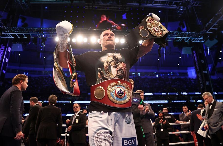 Usyk thâu tóm 4 đai vô địch hạng nặng