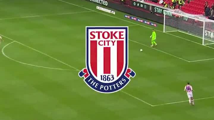Stoke City ghi bàn theo phong cách tiki-taka