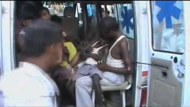 Loạt trẻ em Ấn Độ nhập viện vì bữa trưa của trường