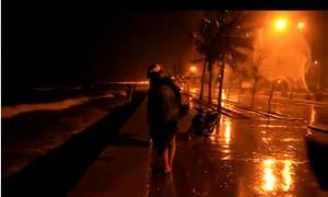 Mưa to gió lớn ở Đà Nẵng trong bão Nari