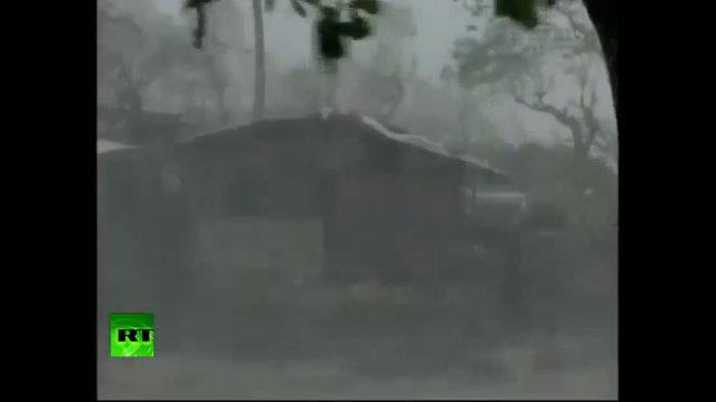 Thảm cảnh sau bão Haiyan ở Philippines