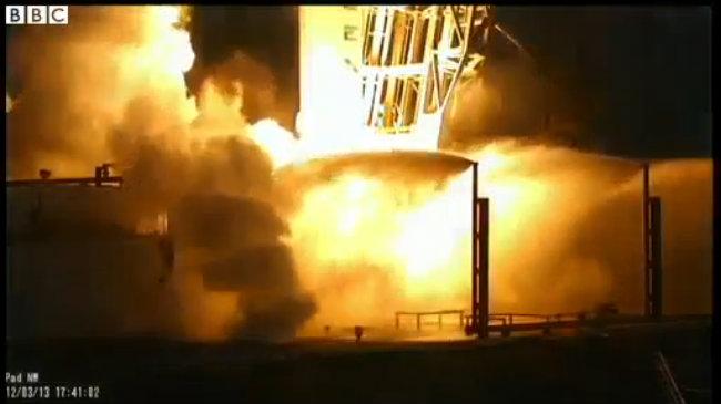 Mỹ phóng vệ tinh thương mại đầu tiên