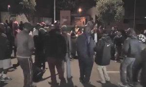 Người Nam Phi múa hát tưởng niệm cố tổng thống Mandela