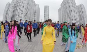 Màn flashmob 400 người chào mừng năm mới