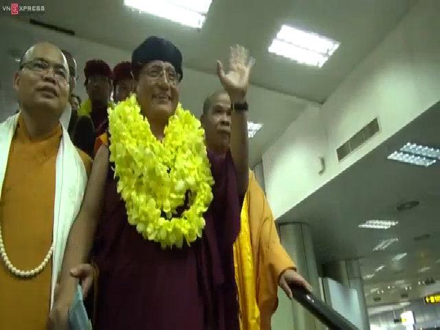 Pháp Vương Gyalwang Drukpa rạng rỡ chào Việt Nam