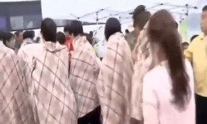Chăm sóc hành khách sống sót trong vụ chìm phà ở Hàn Quốc