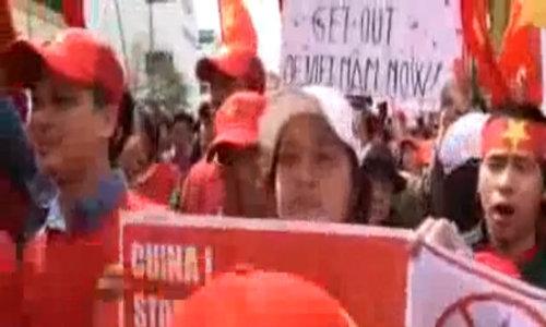 Người Việt ở Czech tuần hành phản đối Trung Quốc