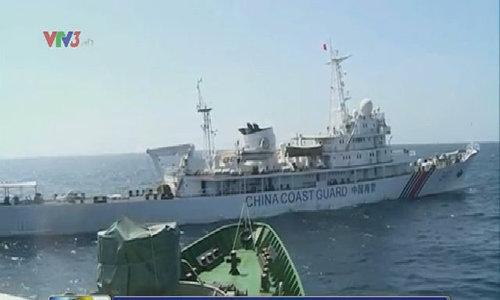 Tàu Trung Quốc tiếp tục khiêu khích tàu CSB Việt Nam