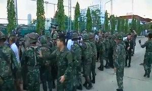Binh sĩ Thái Lan phong tỏa các yếu điểm sau tuyên bố đảo chính