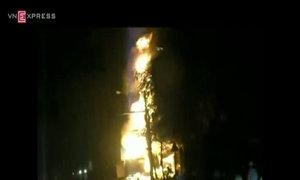 Xe bồn bốc cháy gần cây xăng ở Hải Phòng