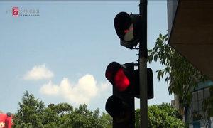 Đèn giao thông chập chờn nhiều nơi ở Hà Nội