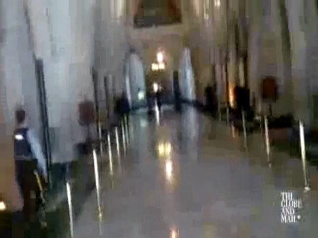 Nã đạn ở tòa nhà Quốc hội Canada