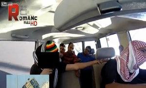 Ba hành khách sợ xanh mặt vì tài xế đi xe hai bánh