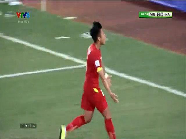 Quế Ngọc Hải mở tỷ số trận đấu cho tuyển Việt Nam