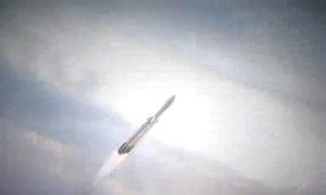 Hành trình của tên lửa vũ trụ mạnh nhất thế giới