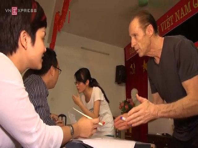 Cựu binh Mỹ mở lớp dạy tiếng anh miễn phí tại Việt Nam