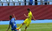Hậu vệ của Villarreal gẫy gập cổ chân