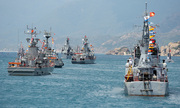 Hải quân Việt Nam duyệt đội hình trên biển