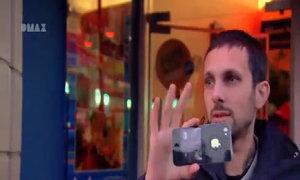 Bẻ xoắn iPhone