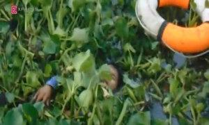 30 phút truy tìm 'cẩu tặc' ẩn mình dưới sông Sài Gòn
