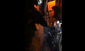 Người đàn ông quay video bắt quả tangi tên trộm xe SH