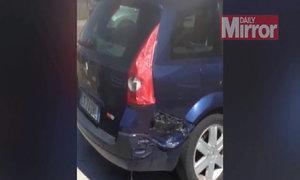 Ôtô tan chảy vì nắng nóng kỷ lục ở Italy