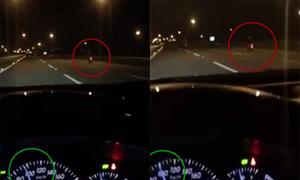Cô gái chạy xe máy hơn 100 km/h trên cao tốc
