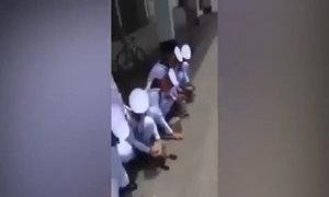 Học viên hải quân Thái tự đập điện thoại vì vi phạm quy định